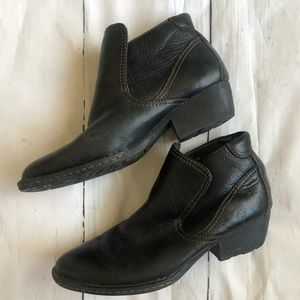 Born Womens Ankle Boots Black Full Grain Leather